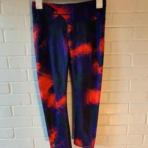 Athleta Graphic Capri Leggings